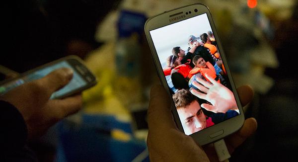 Refugees Use Technology